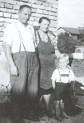 Ve čtyřech letech s rodiči v Sindorfu v Bavorském lese
