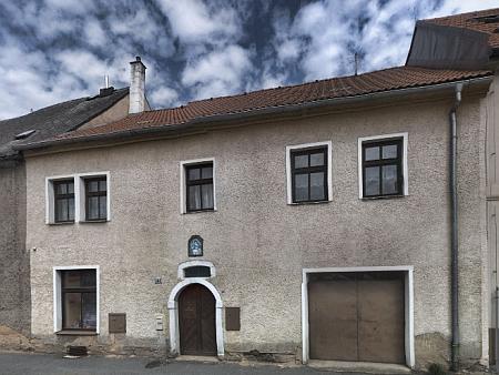 Rodný dům čp. 141 v dnešní Husově ulici ve Stříbře
