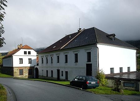 Prachatice předměstí, dům čp. 42/II. Obecní mlýn, v němž bydlili Eisenmeierovi, na snímku z roku 2013
