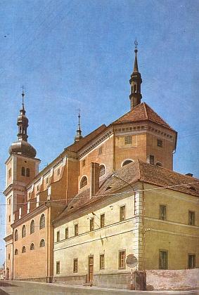 Kostel sv. Ignáce a Františka v rodné Březnici podle projektu Carla Luraga