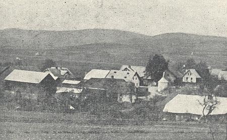 Starý Láz, dnes část města Nýrsko, o němž je také zmínka v jeho textu, na starém snímku ze stránek krajanského časopisu