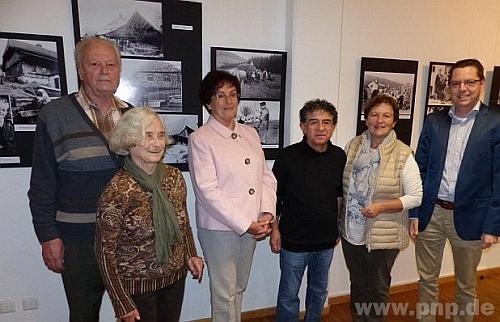 Při zahájení výstavy o Stodůlkách ve Waldkirchen roku 2015