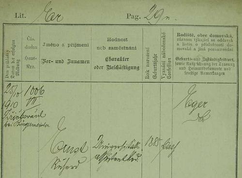 Jeho pražská policejní přihláška z roku 1910