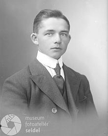 """Na tomto snímku z července 1921 je jako jeho adresa uvedena """"Salnau II"""", tj.ŽelnavaII."""