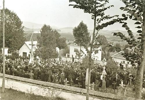 Pohřeb faráře Essla v roce 1936