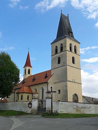 Farní kostel sv. Petra a Pavlav v Nákří, jeho první poválečné působiště