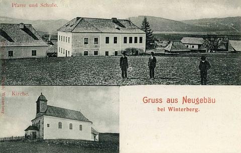 Stará pohlednice z Nového Světa s farou, školou a kostelem sv. Martina