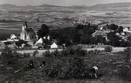 Výhled přes Blansko na Kaplici na pohlednici Josefa Seidela