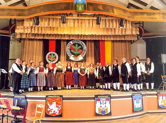 """Tady řídí sbor DBB v Lackenhäuser roku 2018, kdy časopis """"Hoam!"""" slavil 70. jubileum"""