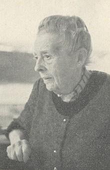 Jeho maminka Marie, roz. Finková, jejíž manžel Friedrich Fehr, majitel budějovické firmy Zwiesler, zemřel roku 1968
