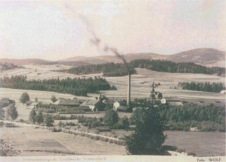 Téměř stejný záběr na pohlednici krumlovského fotografa Josefa Wolfa