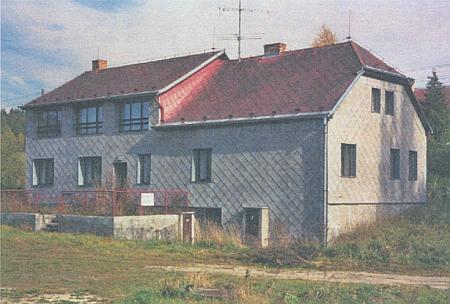 Rodičovský dům v Hůrce kdysi a po přestavbě