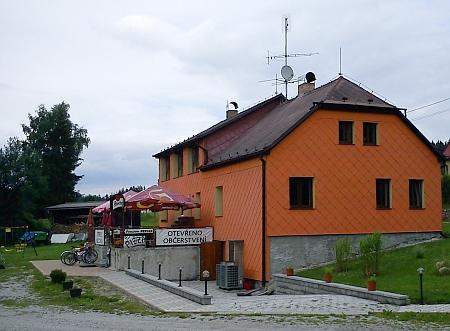 V roce 2011 byl v rekonstruovaném domě otevřen penzion,...
