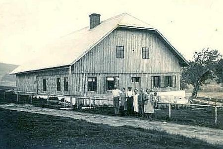 Hájovna na Knížecích Pláních na snímku z roku 1902