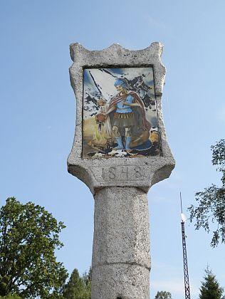 Boží muka a pamětní kámen z Dolní Vltavice, vyzvednuté ze dna Lipenského jezera