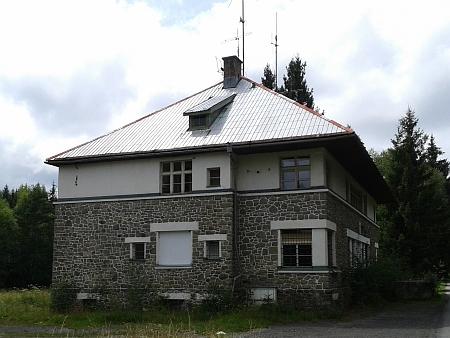 ... budova české celnice v roce 2014
