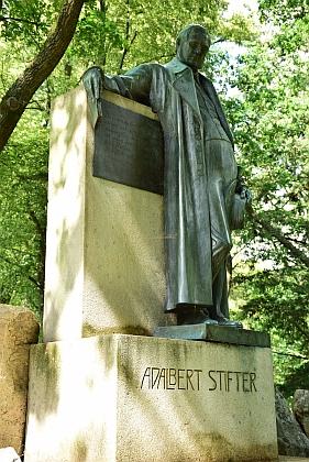 Stifterův pomník v Horní Plané...