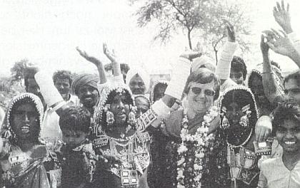 """Při vysvěcování indické """"vsi světla"""" roku 1997"""