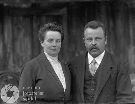 Foto rodičů, pořízené 11. listopadu 1923 fotoateliérem Seidel