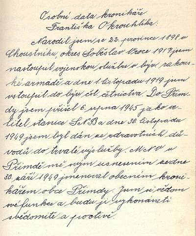 Titulní strana české kroniky města Přimda, vedené Františkem Okrouhlíkem, a osobní data tohoto poválečného českého kronikáře, původně od srpna 1945 velitele zdejší stanice SNB