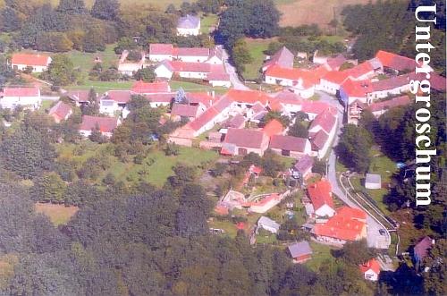Dolní Chrášťany na leteckém snímku