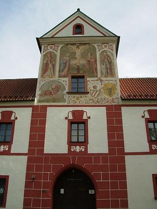 Opravená budova bývalé vyšebrodské klášterní lékárny...
