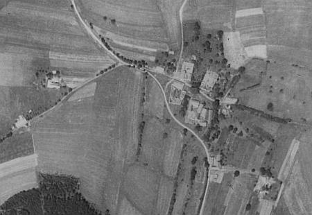 Hradový na leteckých snímcích z let 1952 a 2008