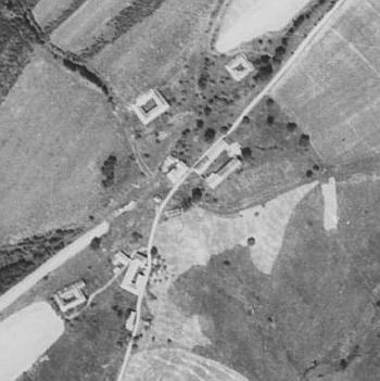 Zaniklý Oppach (Přední Kruhová) blízko Zahrádky (Haag)  na leteckých snímcích z roku  1952 a 2008