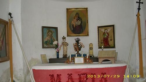 Kaple v rodném Opolenci zevně a uvnitř