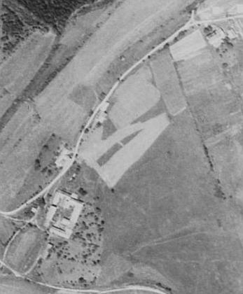 Vyšší Hodonice na leteckých snímcích z let 1952 a 2011 (viz i Placidus Blahusch)