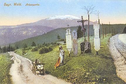 Umrlčí prkna s pozadím hory Javor, kolorovaná pohlednice, foto Josef Seidel