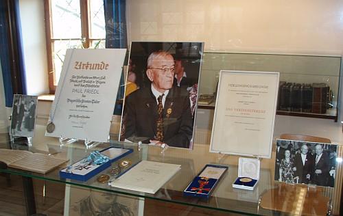 Vitrína věnovaná Paulu Friedlovi je součástí expozice Waldmusea veZwieselu