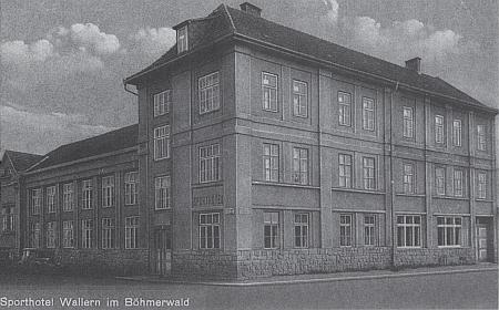 Sporthotel (Volkshalle) ve Volarech na staré pohlednici