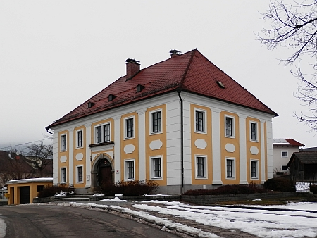 Kostel a fara v Sankt Oswald