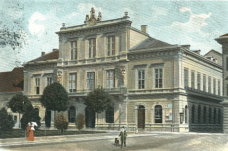 Divadlo v Marburgu (dnešním Mariboru) na staré pohlednici