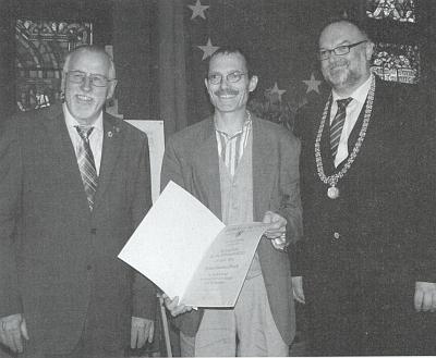 Jeho syn, sklářský výtvarník Gunther Fruth, převzal roku 2011 cenu města Pasova, udělovanou od roku 1961 v rámci pasovského patronátu nad vyhnanými Šumavany
