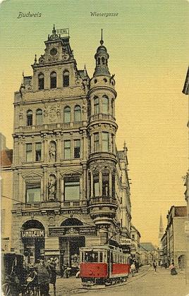 """Ještě jednou rodný dům na rohu """"Wienergasse"""" v poschodí s""""vídeňskou"""" kavárnou """"Central"""" nastaré budějovické pohlednici..."""