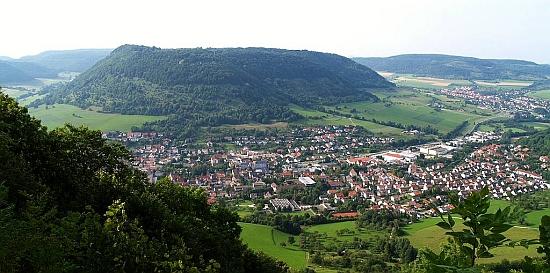 Bádensko-württemberský Deggingen, kde po odsunu žil a kde je i pochován