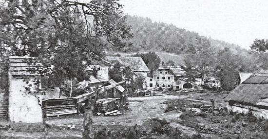 Pasovarská náves na snímku pořízeném pravděpodobně po roce 1945