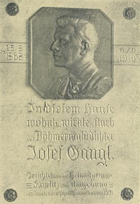 Pamětní deska na vídeňském domě, ve kterém zemřel, dílo sochaře Franze Sautnera