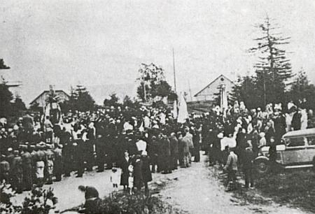 Památník padlým v jeho rodném Velkém Boru a slavnost jeho vysvěcení