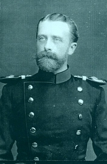 Jeho otec, bavorský generál Konstantin svobodný pán von Gebsattel (1854-1932), od jehož názorů se syn tak příznačně vzdálil