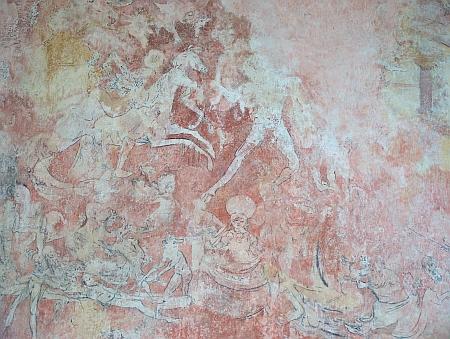 Fresky nad vchodem poutního kostela v Kájově