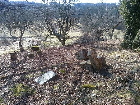 Vyčištěný hřbitov v roce 2017