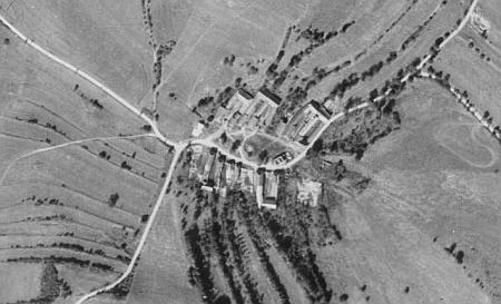 ... a Sádlno na leteckých snímcích z let 1952 a 2008