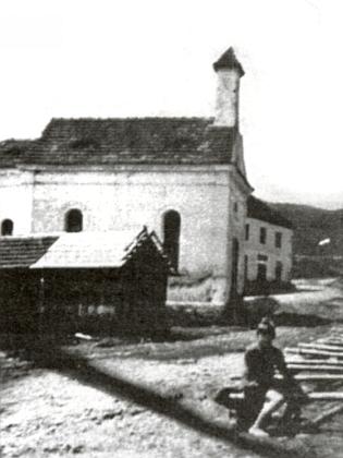 Mariánská kaple v Sádlnu na snímku z třicátých let 20. století
