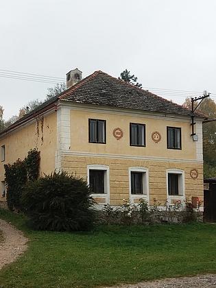 Jedno z původních stavení ve Smědečku