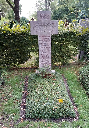 """Manželčin hrob na mnichovském """"Západním hřbitově"""""""