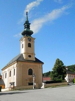 Kostel Panny Marie Bolestné a sv. Jana Nepomuckého v Omleničce, místo jejich svatby v roce 1931