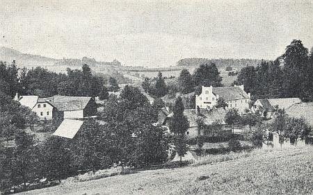 Tady vidíme na staré pohlednici jak městský mlýn Rychnovu dominoval